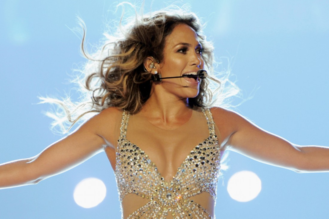 Jennifer Lopez упала на своем концерте