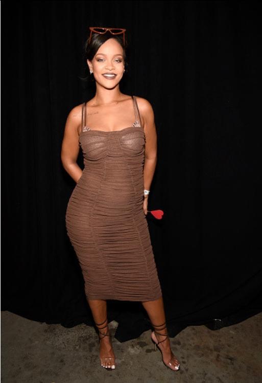 Rihanna выглядит беременной